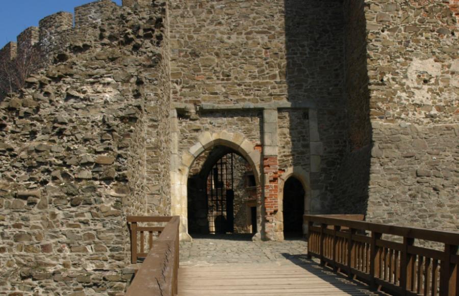Das Tor Nadelöhr Helfštýn Helfenstein