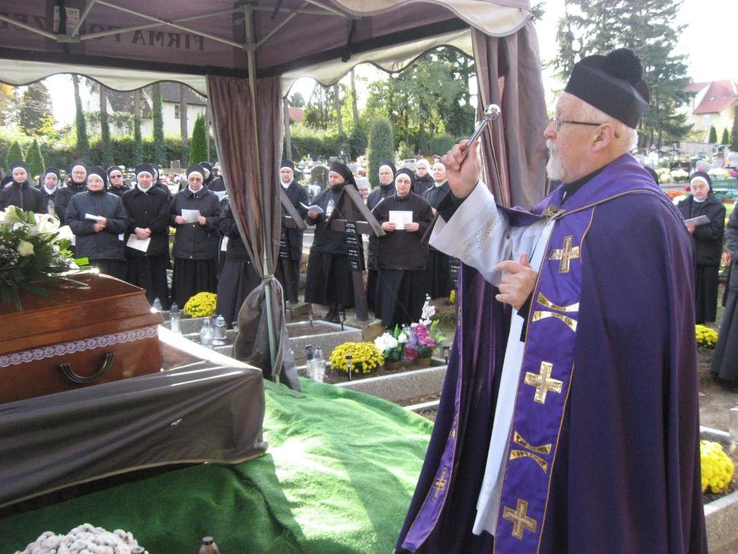 Beerdigung-S-Scholastika-Trebnitz-9567