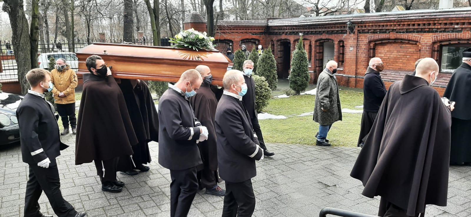 Pogrzeb-o.-Hugolina-03